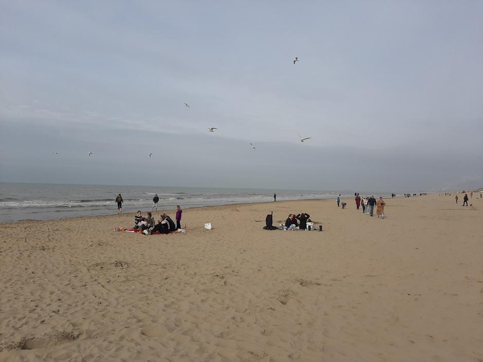 Met het gezin naar het strand
