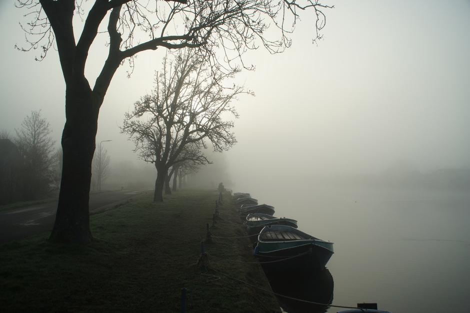 Mist langs de Oude Rijn