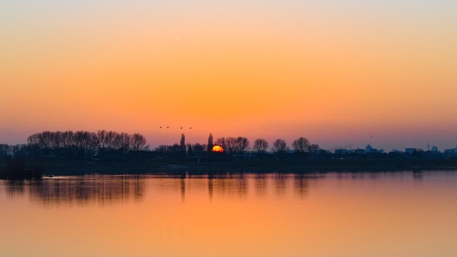 Prachtige zonsondergang met mooie kleuren
