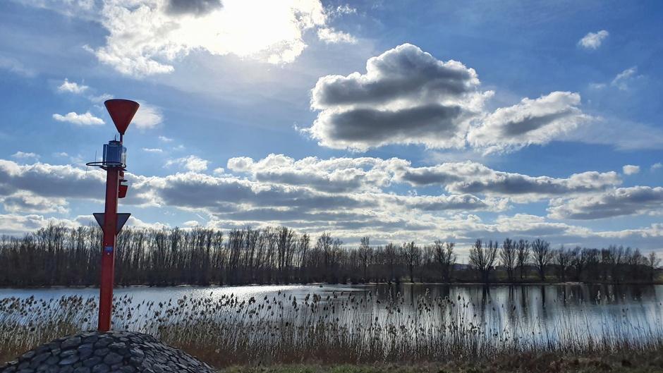 Wolken met een licht randje