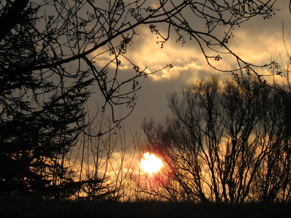 Prachtige zonsopkomst met kleurrijke wolken