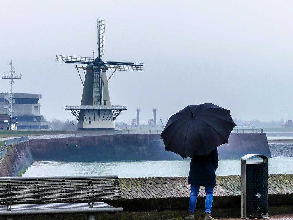 Grijs en druilerig parapluweer