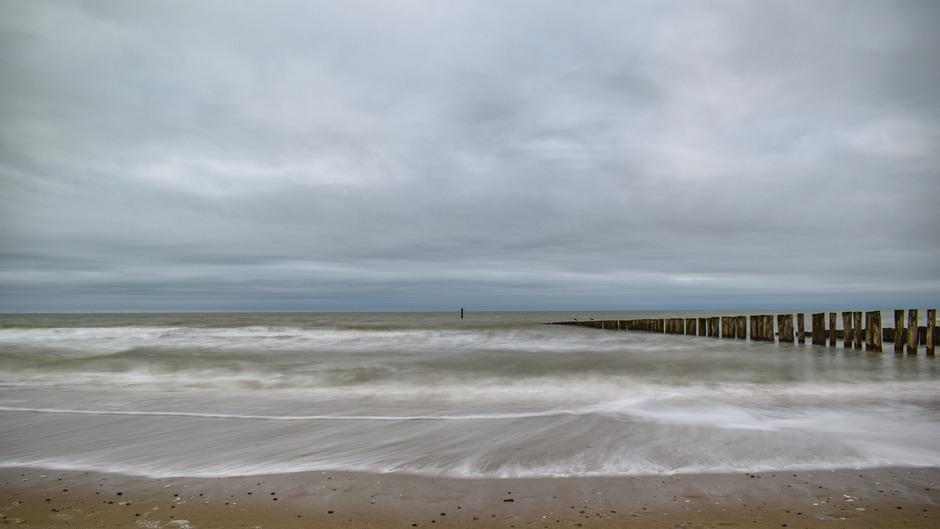 Bewolking strand domburg