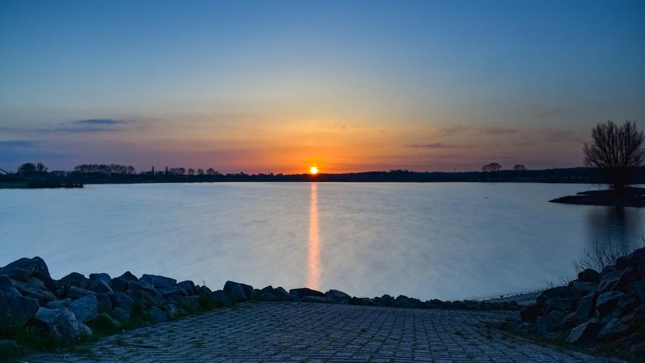 Prachtige zonsondergang in Lathum