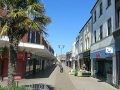 Magnolia Walk, Exmouth town centre
