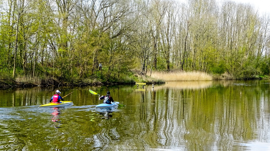 Mooie zonnige dag om te kanoën