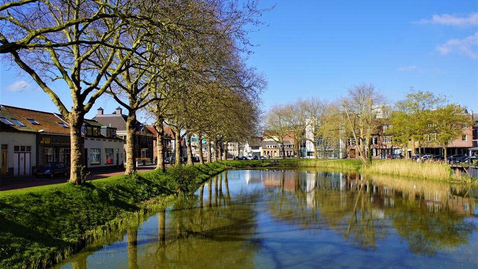 zon blauwe lucht 9 gr reflectie aan de veste lekker lente weer