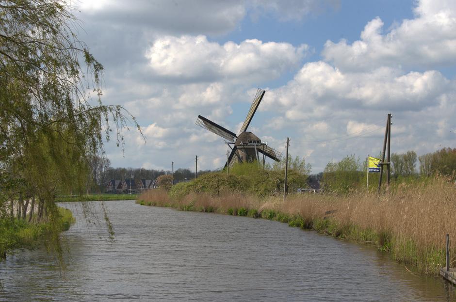 Wolkenlucht en riviergezicht bij het dorpje Haastrecht!