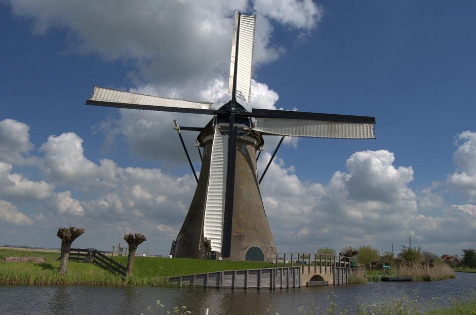Zeil op de molen aan het riviertje de Vlist bij Haastrecht!