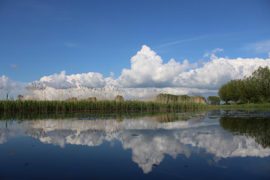 En na een donkere dag...blauw met bloemkoolwolken! 17.30