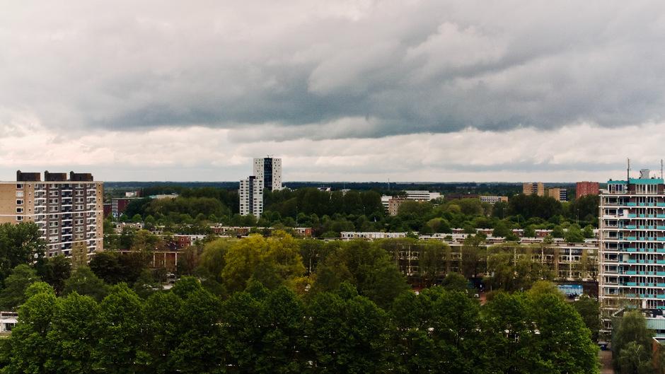Regenwolken boven Groningen