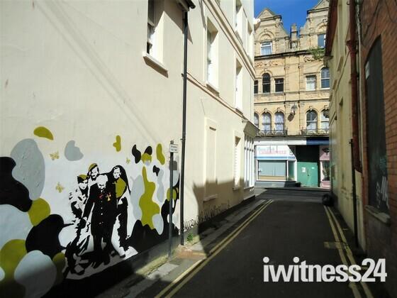 Mural Appears