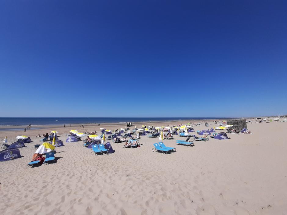 Gezellig druk op het strand