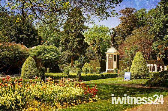 Spring in Grange Park