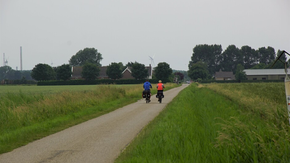 grijs en bewolkt goed fietsweer14 gr windstil