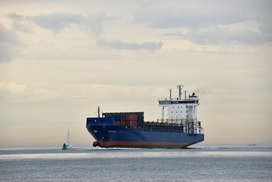 Boot en zeilboot
