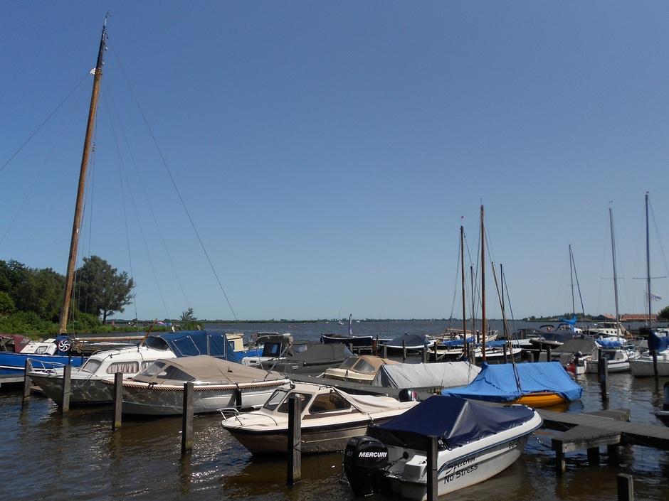 Strakblauw, windje, druk op het water, echte zomerdag!