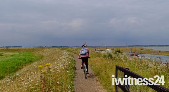Two rivers bike ride - Deben to the Orwell :)