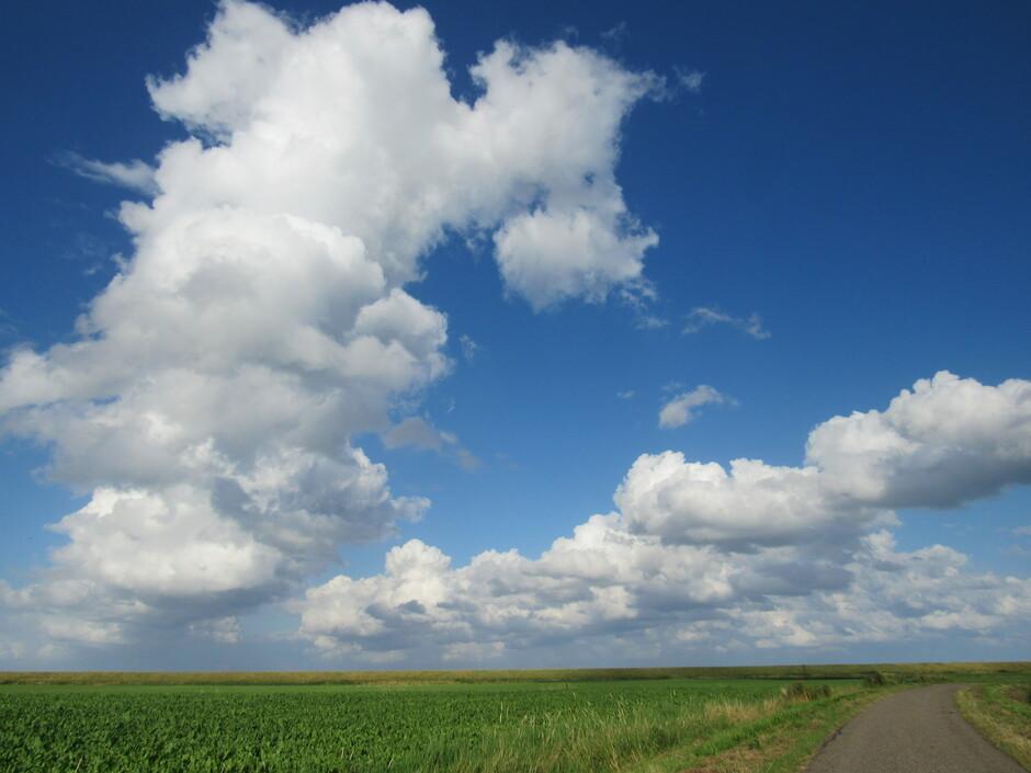 Wolken en wind