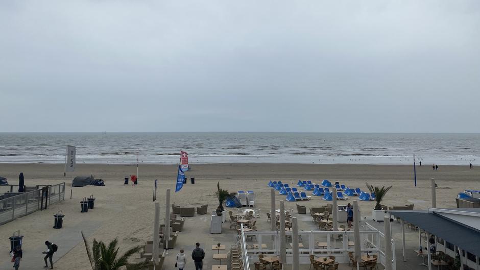 Leeg strand Zandvoort