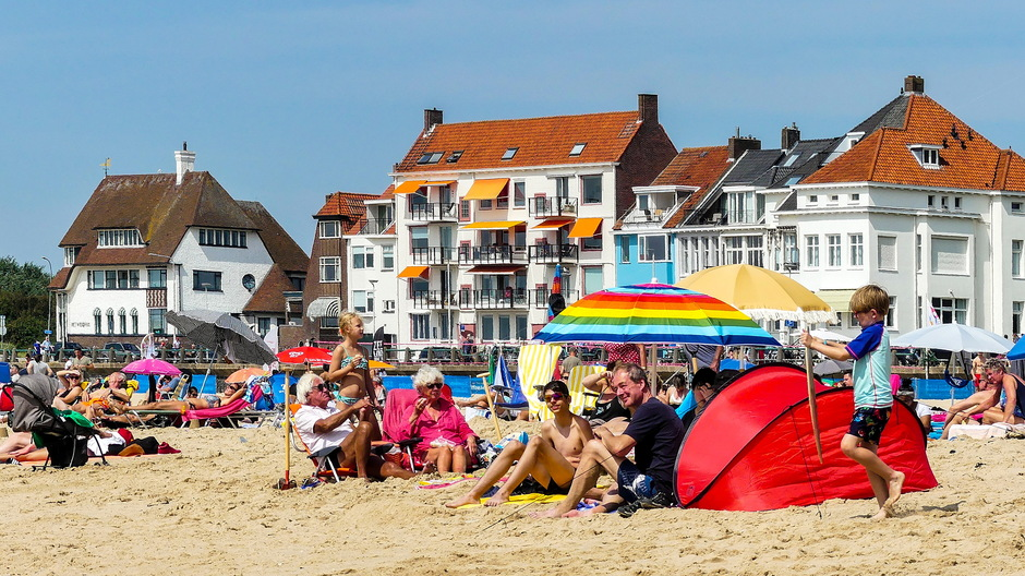 Zonnige stranddag