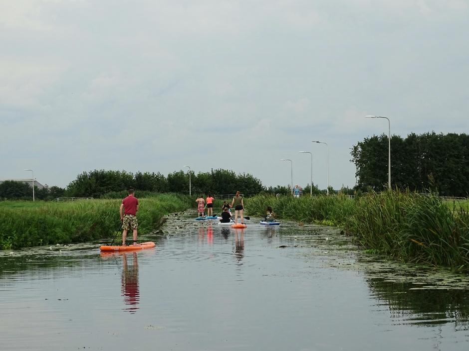 Heetlijk op het water in de polder