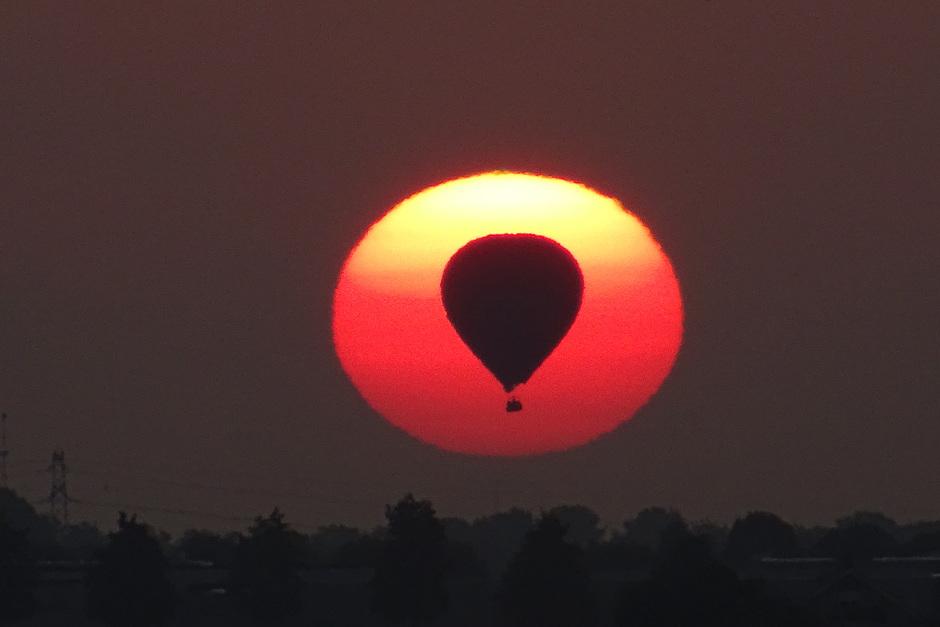 Luchtballon voor de zon