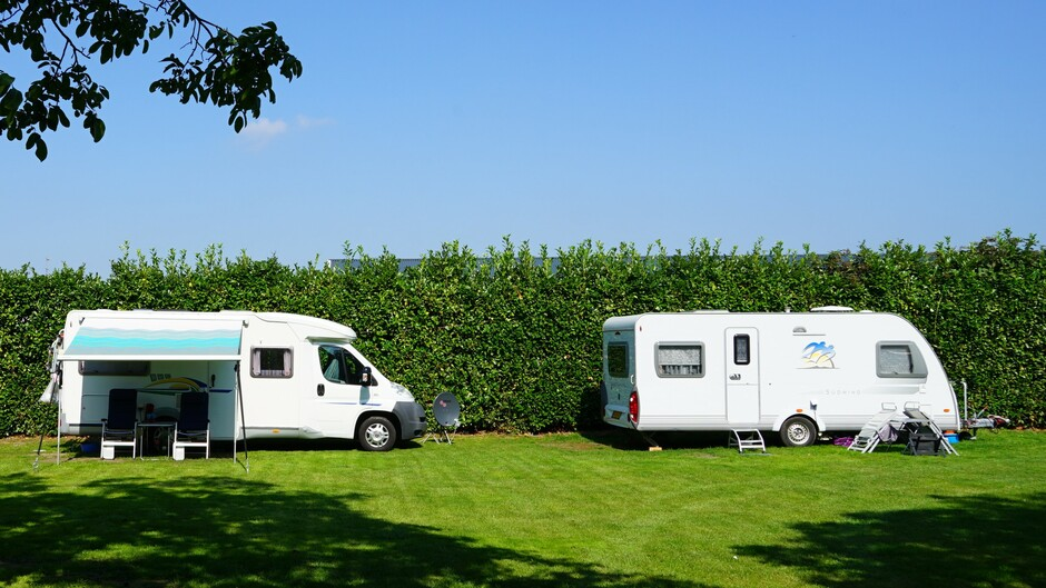Zonnig campingweer