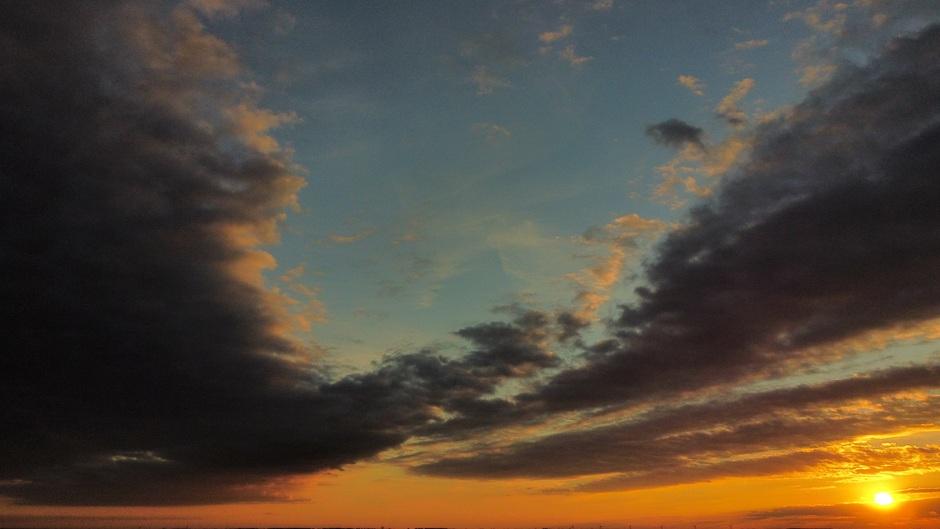 Zonsondergang vanuit een drone