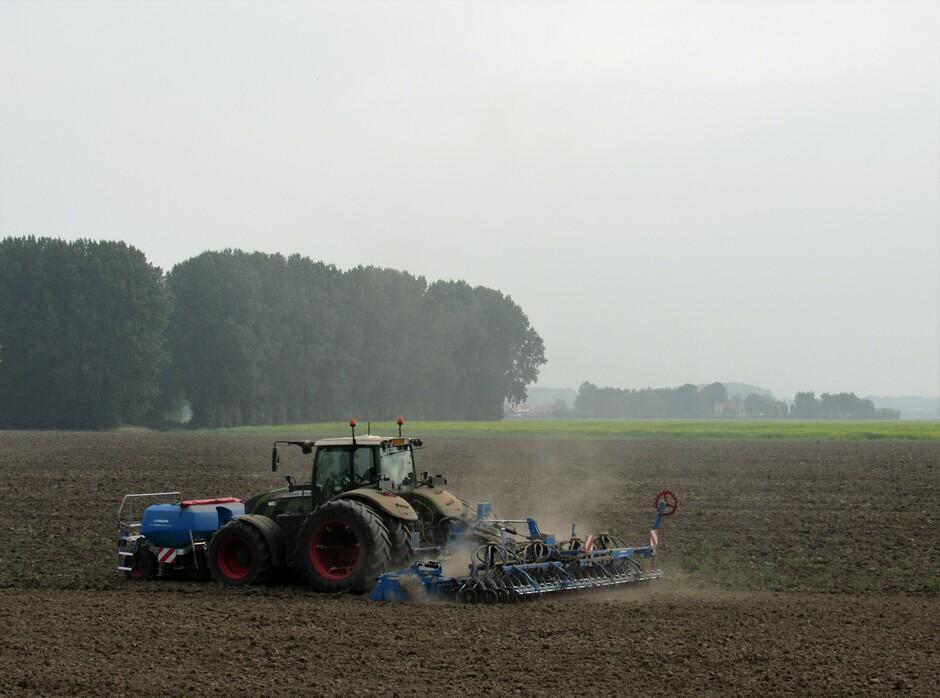 Droog op het land, het zou voor de boeren niet erg zijn als er een fris regenbuitje kwam