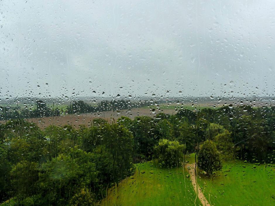 Van regenbuitjes naar flinke regenbuien