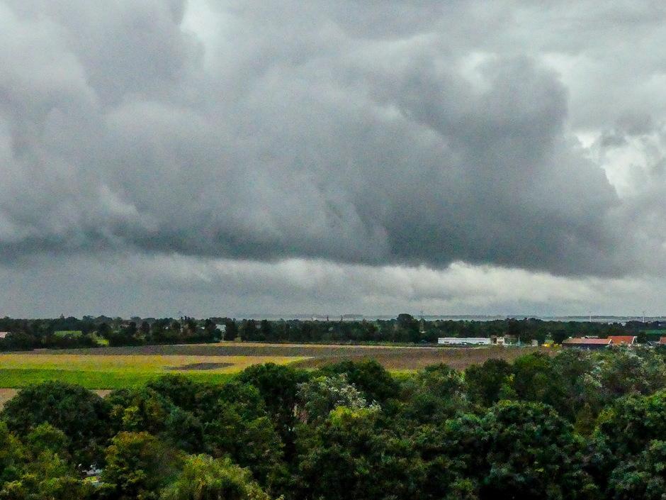 Overtrekkende regenwolken